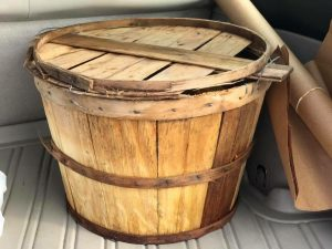 bushel basket with lid
