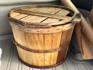 bushel basket with lid